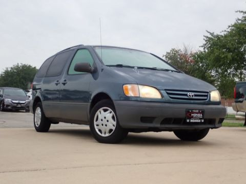 Pre-Owned 2003 Toyota Sienna CE